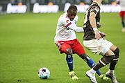 Fussball: 2. Bundesliga, FC St. Pauli - Hamburger SV, Hamburg, 01.03.2021<br /> David Kinsombi (HSV)<br /> © Torsten Helmke