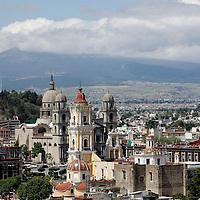 Toluca, Méx.- Después de varios días con mala calidad del aire en el Valle de Toluca, este  lunes se pudo observar el cielo limpio.  Agencia MVT / Crisanta Espinosa