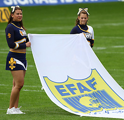 29.07.2010, Brita Arena, Wiesbaden, GER, Football EM 2010, Team Sweden vs Team Great Britain, im Bild Cheerleader mit EFAF Fahne,  EXPA Pictures © 2010, PhotoCredit: EXPA/ T. Haumer / SPORTIDA PHOTO AGENCY