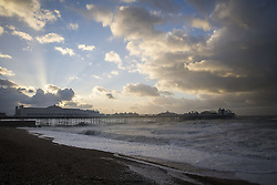 © Licensed to London News Pictures. 27/10/2013. BRIGHTON, UK Waves at Brighton seafront this morning as Britain was braced for the worst storm for a decade today, which is set to bring driving rain and winds of up to 90mph to some areas. Photo credit : LNP