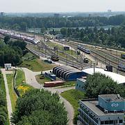 Amsterdam, 06-07-2013, Op het terrein van NedTrain in de Watergraafsmeer te Amsterdam wordt onderhoud aan treinstellen gepleegd. Van technisch onderhoud tot servicebeurten en van reiniging tot revisie. Alle uit de dienst genomen Fyra treinstellen staan daar gestald en worden op technische gebreken onderzocht.