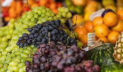 THEMENBILD - verschiedene Trauben bei einem Markt, aufgenommen am 28. Juni 2018 in Fazana, Kroatien // different grapes at a Market, Fazana, Croatia on 2018/06/28. EXPA Pictures © 2018, PhotoCredit: EXPA/ JFK