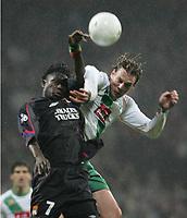 Fotball, 23. februar 2005, Champions League Sv Werder Bremen - Olympique Lyon<br /> v.l. Mahamadou Diarra, Tim Borowski Bremen