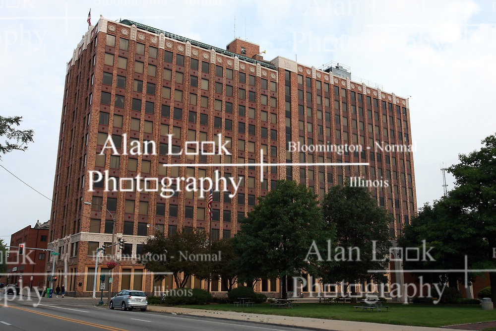 13 June 2009: Bloomington Illinois, State Farm Downtown Building.  At one time pre 1972 it was known as State Farm Home Office.