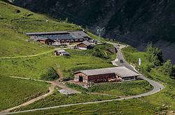 THEMENBILD - Blick auf die Alm und den Scheune mit der Milch und Käseproduktion. Die bewirtschaftete Alm, wo rund 800 Schafe und 55 Milchkühe im Sommer sind, besteht seit dem Jahre 1779 und wird von der Familie Aberger Dick geführt, Sie liegt unmittelbar bei den Kapruner Hochgebirgsstauseen, aufgenommen am 15. Juni 2017, Fürthermoar Alm, Kaprun, Österreich // Overlooking the pasture and the barn with the milk and cheese production. The Fuerthermoar Alm, where around 800 sheep and 55 dairy cows are in summer and is directly next to the Kaprun Hochgebirgsausauseen. The Mountain Hut exists since 1779 and is owned by the family Aberger Dick, taken on 2017/06/15, Kaprun, Austria. EXPA Pictures © 2017, PhotoCredit: EXPA/ JFK