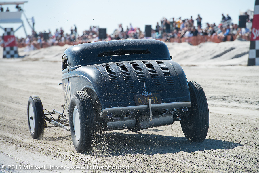 Ken Schmidt racing his 1933 Ford three window coupe down the beaach at Racing on the beach during The Race of Gentlemen. Wildwood, NJ, USA. October 11, 2015.  Photography ©2015 Michael Lichter.