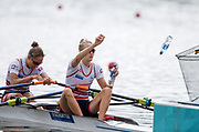 """Glasgow, Scotland, """"2nd August 2018"""", Swiss Light Women's Double Scull, 'Throw their empty water bottles' into the net at the European Games, Rowing, Strathclyde Park, North Lanarkshire, © Peter SPURRIER/Alamy Live News"""