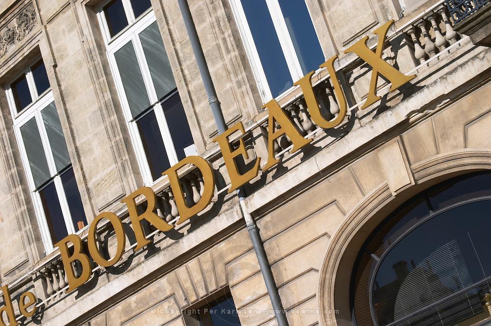Wine shop. L'Intendant. Bordeaux sign. Bordeaux city, Aquitaine, Gironde, France