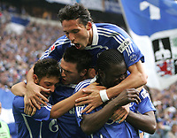 Fotball<br /> Bundesliga Tyskland<br /> 07.04.2007<br /> Foto: Witters/Digitalsport<br /> NORWAY ONLY<br /> <br /> Jubel 1:0 v.l. Mesut Oezil, Zlatan Bajramovic, Kevin Kuranyi, Gerald Asamoah Schalke<br /> <br /> Bundesliga FC Schalke 04 - Borussia Mönchengladbach