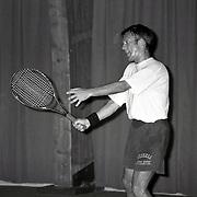 NLD/Amsterdam/19930730 - Jaap Jongbloed tennissend en pratend