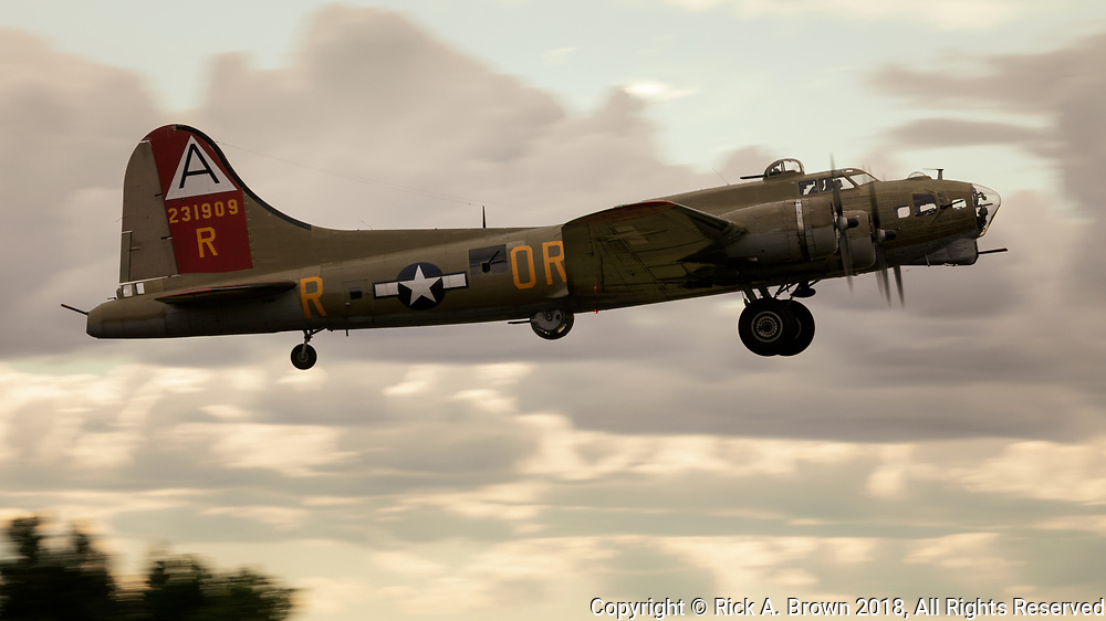 Collings' Foundation Flying Fortress taking off.