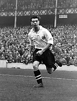 Fotball<br /> England <br /> Foto: Colorsport/Digitalsport<br /> NORWAY ONLY<br /> <br /> Johnny Haynes playing for the English FA Football League. English Football League v The Irish Football League. Goodison Park, 7/12/55