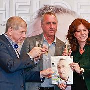 NLD/Amsterdam/20110314 - Presentatie nieuwe Helden en 14 jarig bestaan Johan Cruijff Foundation, Frits Barend, Johan Cruijff en Barbara Barend