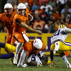 Sep 23, 2017; Baton Rouge, LA, USA; Syracuse Orange quarterback Eric Dungey (2) runs against the LSU Tigers during the fourth quarter of a game at Tiger Stadium. LSU defeated Syracuse 35-26. Mandatory Credit: Derick E. Hingle-USA TODAY Sports