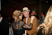 RICHARD STRANGE, Art Plus Music party. Fundraiser for the Whitechapel. 30 March 2006. ONE TIME USE ONLY - DO NOT ARCHIVE  © Copyright Photograph by Dafydd Jones 66 Stockwell Park Rd. London SW9 0DA Tel 020 7733 0108 www.dafjones.com