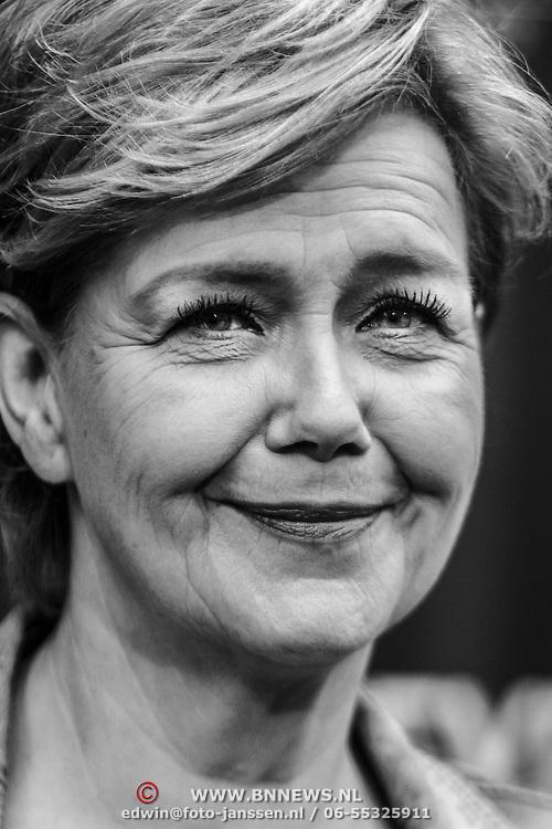NLD/Amsterdam/20150208 - Herpremiere Sonneveld, Mathilde Santing