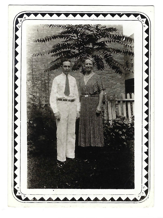 Blank. Lena & Hans? (Sig's parents?)