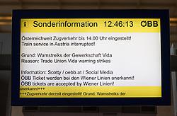 """26.11.2018, Westbahnhof, Wien, AUT, Warnstreik der Eisenbahner Gewerkschaft vida zwischen 12:00 und 14:00 Uhr. im Bild Bildschirm mit Sonderinformationen // during warning strike of the railway workers at """"Westbahnhof"""" in Vienna, Austria on 2018/11/26. EXPA Pictures © 2018, PhotoCredit: EXPA/ Michael Gruber"""