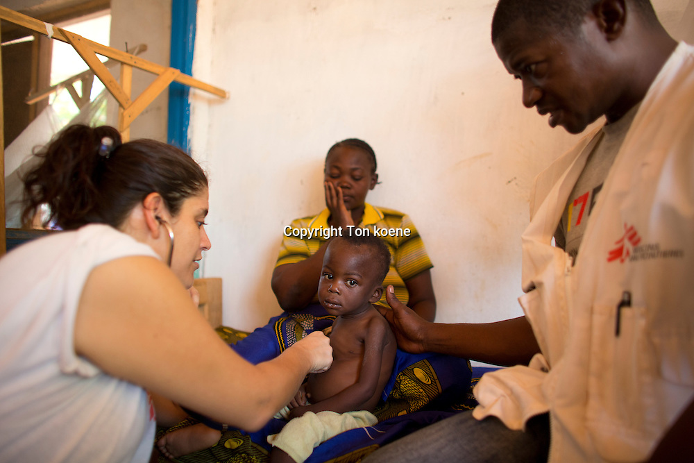 MSF doctor Javiera Puentes, doing rounds in the batangafo hospital ward in Central african republic