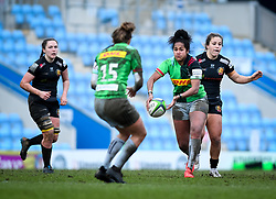Lagi Tuima of Harlequins passes the ball - Mandatory by-line: Andy Watts/JMP - 06/02/2021 - Sandy Park - Exeter, England - Exeter Chiefs Women v Harlequins Women - Allianz Premier 15s