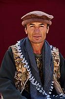 Tadjikistan, Asie centrale, Gorno Badakhshan, Haut Badakhshan, le Pamir, vallée du Wakhan, portrait d'un homme Ismaelienne // Tajikistan, Central Asia, Gorno Badakhshan, the Pamir, Wakhan valley, Ismaeli man portrait