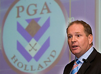 SOESTDUINEN - Congres PGA Holland. Directeur  PGA, Frank Kirsten aan het woord. COPYRIGHT KOEN SUYK