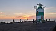Zonsondergang, havenhoofd, Scheveningen, Den Haag. - Sunset, pier, Scheveningen, The Hague, Netherlands