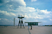 Sculpture Presidential palace building, Palacio da Alvorada, built 1958 architect Oscar Niemeyer, Brasilia, Federal District, Brazil in 1962
