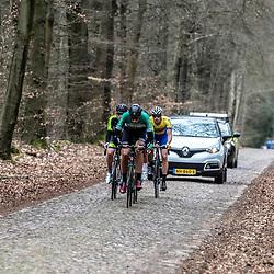 23-03-2019: Wielrennen: Drentse Dorpenomloop: Assen<br />-wielrennen - Assen - Drenthe - KNWU<br />Kopgroep op de keien richting Exloo met Gerben Oldenkamp (Ijsselstreek)