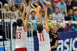 09.10.2010, Halle Berg Fidel, Muenster, GER, Vorbereitung Volleyball WM Frauen 2010, Laenderspiel Deutschland ( GER ) vs. Tuerkei ( TUR ), im Bild Neriman Oezsoy (#13 TUR), Naz Aydemir (#11 TUR) - Saskia Hippe (#6 GER). EXPA Pictures © 2010, PhotoCredit: EXPA/ nph/   Conny Kurth+++++ ATTENTION - OUT OF GER +++++