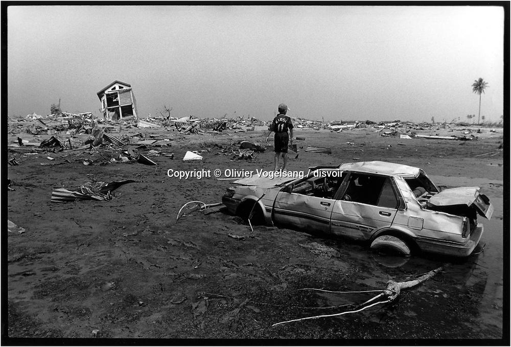 Indonésie. Banda Aceh. Etat des lieux sur l'ile de Sumatra 3 mois après le tsunami du 26 décembre 2004. Paysage de destruction. <br /> <br /> <br /> Indonesia. Banda Aceh. Report on the island of Sumatra 3 months after the tsunami of december 26, 2004.