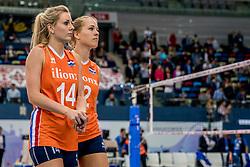 01-10-2017 AZE: Final CEV European Volleyball Nederland - Servie, Baku<br /> Nederland verliest opnieuw de finale op een EK. Servië was met 3-1 te sterk / Laura Dijkema #14 of Netherlands, Femke Stoltenborg #2 of Netherlands