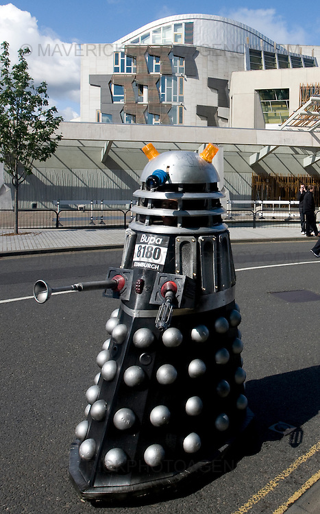 A Dalek makes its way past the Scottish Parliament  as 10,000 Runners take part in the 10km Bupa Great Edinburgh Run 3/5/09.Picture Michael Hughes/Maverick