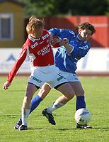Harald Stormoen, Kongsvinger og Erlend Holm, Aalesund. <br /> <br /> Fotball: Kongsvinger - Aalesund 2-2 (5-2 e. straffer). NM 2004 herrer, 3. runde. 8. juni 2004. (Foto: Peter Tubaas/Digitalsport.
