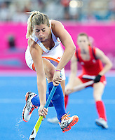 LONDEN - Kim Lammers, maandag tijdens de Olympische hockeywedstrijd tussen de vrouwen van  Nederland en Groot Brittannie (2-1).  ANP KOEN SUYK