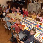 Vesting aan tafel Marktstraat 32 Naarden, kinderen