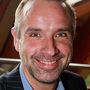 NLD/Amsterdam/20130411 - Presentatie biografie Barry Stevens, Paul van Ewijk