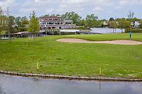 GOES - Clubhuis met green hole 18. , Golfbaan De Goese Golf,   op Zuid-Beveland, COPYRIGHT  KOEN SUYK