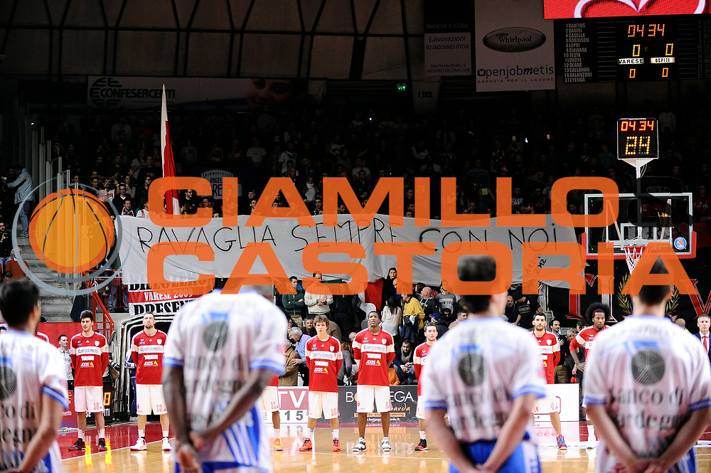 DESCRIZIONE : Varese Lega A 2014-2015 Openjob Metis Varese Banco di Sardegna Sassari<br /> GIOCATORE : tifosi<br /> CATEGORIA : tifosi<br /> SQUADRA : Openjob Metis Varese<br /> EVENTO : Campionato Lega A 2014-2015<br /> GARA : Openjob Metis Varese Banco di Sardegna Sassari<br /> DATA : 26/12/2014<br /> SPORT : Pallacanestro<br /> AUTORE : Agenzia Ciamillo-Castoria/Max.Ceretti<br /> GALLERIA : Lega Basket A 2014-2015<br /> FOTONOTIZIA : Varese Lega A 2014-2015 Openjob Metis Varese Banco di Sardegna Sassari<br /> PREDEFINITA :