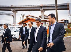 Porto Alegre, RS 11/01/2019: Acompanhado do Ministro de Estado da Infraestrutura, Tarcísio Freitas, e do secretário estadual dos Transportes, Juvir Costella, o prefeito Nelson Marchezan Júnior, visitou, na tarde desta sexta-feira (11), o canteiro de obras da Nova Ponte do Guaíba. Foto: Jefferson Bernardes/PMPA