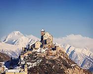 Le chateau de Valère sous la neige le 7 decembre 08 a Sion, Castle Wallis. Tourisme hivers Alps Winter (Olivier Maire/PHOTO-GENIC.CH)