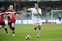 FOOTBALL - FRENCH CHAMPIONSHIP 2011/2012 - L1 - AJ AUXERRE v LILLE OSC  - 15/10/2011 - PHOTO JEAN MARIE HERVIO / DPPI - KAMEL CHAFNI (AJA) / FLORENT BALMONT (LOSC)