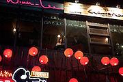 Noraebang (Karaoke) Bar im Hongdae Viertel. Dieses Gebiet vor der Hongik Universität ist vor allem für das Nachtleben bekannt. Hier befinden sich sehr viele Discotheken, Bars und Restaurants.<br /> <br /> Noraebang (Karaoke) bar at Hongdae quater. Hongdae area is an entertainment area and clubbing district in northwest Seoul, South Korea - close to the Hongik University.