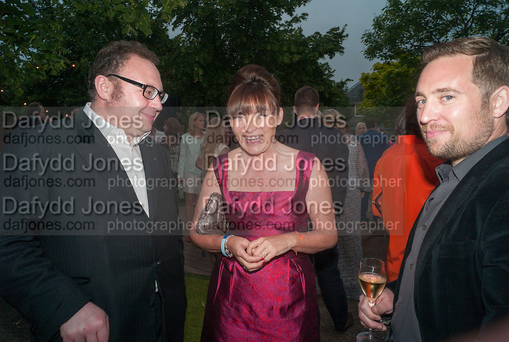 JONATHAN SHALLIT; LORRAINE KELLY, Serpentine Summer party 2012 sponsored by Leon Max. Pavilion designed by Herzog & de Meuron and Ai Weiwei. Kensington Gardens. London. 26 June 2012.