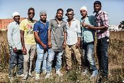 Giovani indiani sikh, Sabaudia (Latina), Giugno 2014.  Christian Mantuano / OneShot