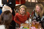 Prinses Máxima opent het WOMEN Inc Festival in de RAI, Amsterdam. WOMEN Inc. is een evenement dat vrouwen verbindt en hun ontplooiing bevordert en wordt gelijktijdig met de naastgelegen huishoudbeurs gehouden.<br /> <br /> Princess Maxima opens the WOMEN Inc Festival at the RAI, Amsterdam. WOMEN Inc.. is an event that connects women and promotes their developmentWoman Inc.. is Simultaneously held with the adjacent household fair.<br /> <br /> Op de foto / On the photo<br />  Prinses Maxima en directeur Jannet Vaessen tijdens de opening van het Women Inc Festival. ///// Princess Maxima and director Jannet Vaessen during the opening of the Women Inc. Festival.