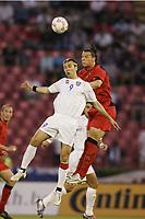 FOOTBALL - WORLD CUP 2006 - QUALIFYING ROUND - GROUP 7 - SERBIA MONTENEGRO v BELGIUM - 04/06/2005 - DANIEL LJUBOJA (SER) / DANIEL VAN BUYTEN (BEL) <br /> PHOTO PHILIPPE CROCHET /DIGITALSPORT