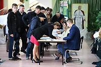 Kobylin Borzymy, woj podlaskie, 13.10.2019. Glosowanie w Obowodowej Komisji Wyborczej nr 2. W wyborach 2015 roku na PiS glosowalo tutaj 86% wyborcow N/z najwiecej wyborcow glosowalo po porannej mszy swietej w miejscowym kosciele fot Michal Kosc / AGENCJA WSCHOD