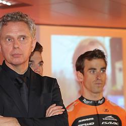02-01-2015: Wielrennen: Presentatie Roompot Orange Cycling Team: Rotterdam<br /> Jean Paul vna Poppel met in de achtergrond Reinier Honig
