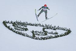 01.01.2021, Olympiaschanze, Garmisch Partenkirchen, GER, FIS Weltcup Skisprung, Vierschanzentournee, Garmisch Partenkirchen, Einzelbewerb, Herren, im Bild Philipp Aschenwald (AUT) // Philipp Aschenwald of Austria during the men's individual competition for the Four Hills Tournament of FIS Ski Jumping World Cup at the Olympiaschanze in Garmisch Partenkirchen, Germany on 2021/01/01. EXPA Pictures © 2020, PhotoCredit: EXPA/ JFK